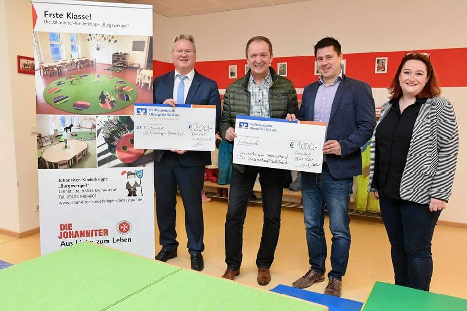 Spendenübergabe Burgzwergerl mit Christian Blüml